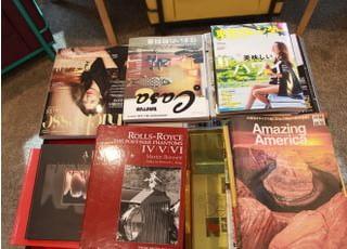 六本木けやき坂デンタルオフィスには雑誌などもご用意しております。