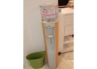 六本木けやき坂デンタルオフィスでは、お水もご用意しております。