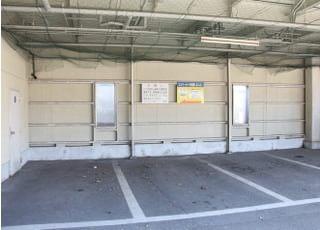 駐車場があるのでお車でもお越しいただけます。