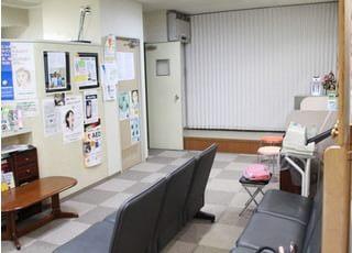 小笠原歯科_医院内はきれいで美しく清潔に。車いすをご利用でも治療がうけられる体制を整えています