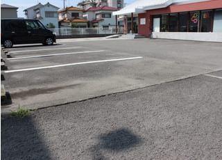 駐車場設置のため、お車でもお越しいただけます。