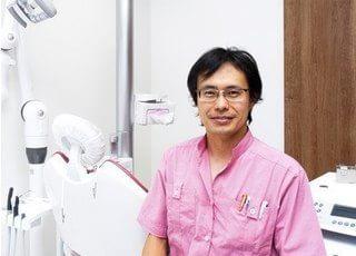 院長の篠崎 泰久です。