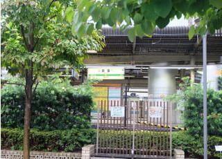 地下鉄丸ノ内線西口からも近くなっております。