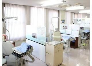 診療室です。治療についてのご不明な点があれば、お気軽にご相談ください。