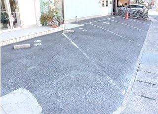 駐車場も設置しております。
