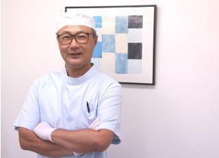 豊田歯科クリニック 豊田 忍 院長 歯科医師 男性