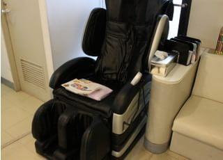待合室にはマッサージチェアを設置しております