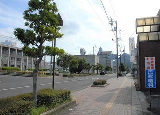 善通寺駅から徒歩約3分。善通寺市役所の目の前にあります。