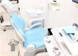 診療チェアです。歯や口腔内のお悩みはお気軽にご相談下さい。