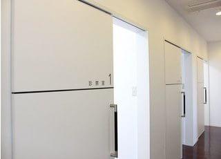 どい歯科医院は完全個室制になっています。