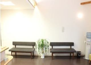 待合室にはウォーターサーバーを設置しており、ご自由にご利用いただけます。