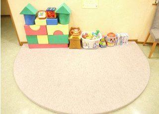 お子様連れの方のためのキッズスペースを設けております