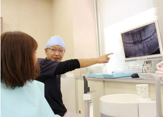 モニターを使用して患者様に説明させていただきます。