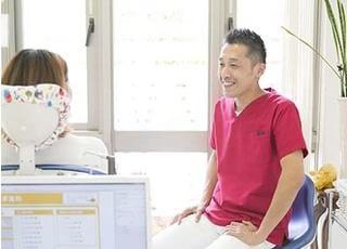 あきやま歯科 秋山 高慶 院長 歯科医師 男性