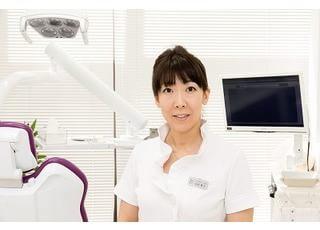 T's DENTAL Salon 先生  歯科医師 女性