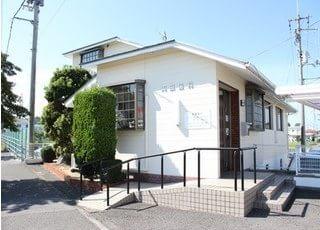 岡田歯科医院の外観です。ご来院お待ちしております。