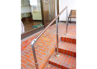 当院入り口は、スロープになっております。