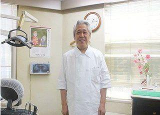 島原歯科医院の院長です。皆様のご来院をお待ちしております。