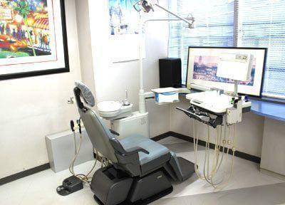 開放感のある、窓に面した診療室です