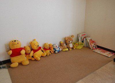 キッズスペースには、人形などがございます。