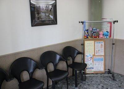 待合室です。診療までの間、こちらでお待ちください。