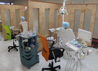 診療室は仕切られています。