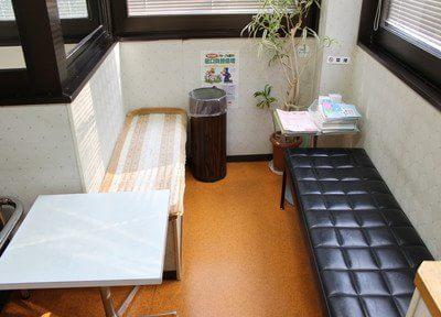 清潔感のある待合室です。