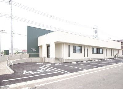 江木駅より、お車で約6分です。駐車場がございます。