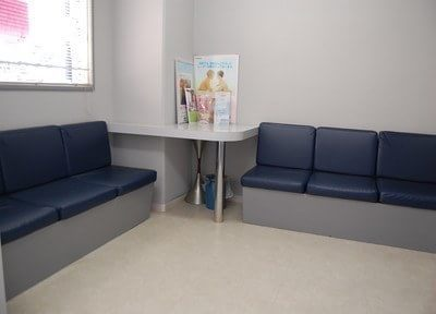 待合スペースです。診療前後はこちらでお過しください。