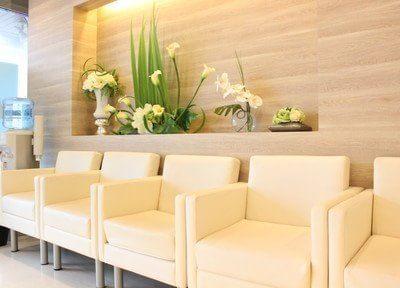 待合室はリラックスできる環境を整えています。