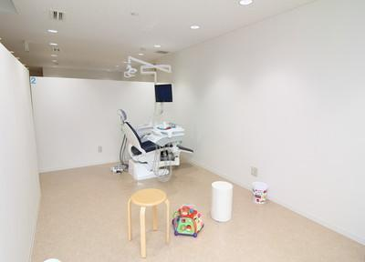 広々とした診療室です。リラックスしてお過ごしください。