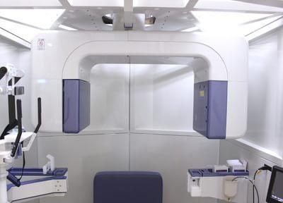 歯科用CTです。3Dの検査結果による、より精密な診断と治療が可能です。