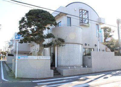 渡辺歯科医院の外観です。五井駅から徒歩5分と好アクセスです。