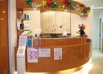 待合室です。季節ごとに飾り付けをして気持ちよくお待ち頂けるよう雰囲気を作っております。