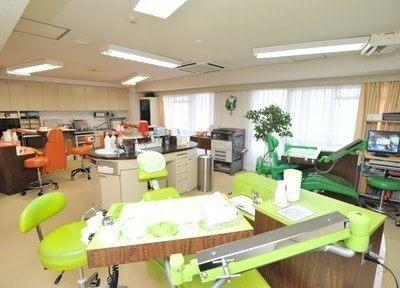カラフルな診療室になっています。