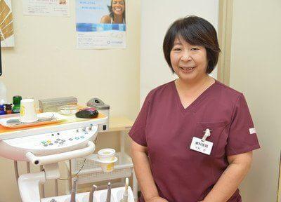院長の中村 恵です。できる限り痛くない治療を心掛けておりますのでお気軽にご相談ください。