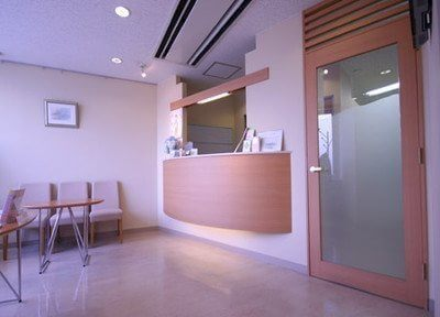 上野スマイルインプラントセンターの受付です。