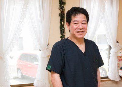 森院長です。最先端の技術をもって患者様の悩みを解消する治療を行っております。