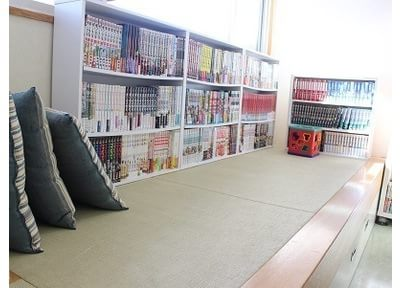 待合室です。畳でゆっくりおくつろぎください。