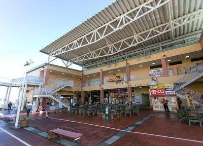 当院は大型ショッピングモールのぐりーんうぉーく多摩内にございます。