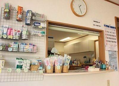受付です。各種歯科用品、取り扱っております。