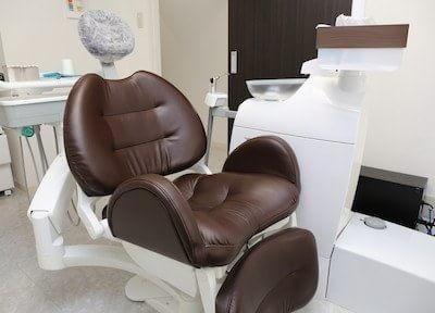 歯周病専門医の院長が、歯肉の移植や骨再生などの治療にも対応いたします
