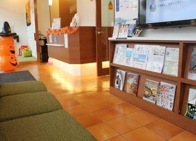 待合室には雑誌を置いています。