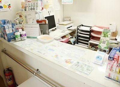 スタッフが患者様を笑顔でお迎えいたします。