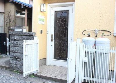 入り口です。こちらからお入りください。