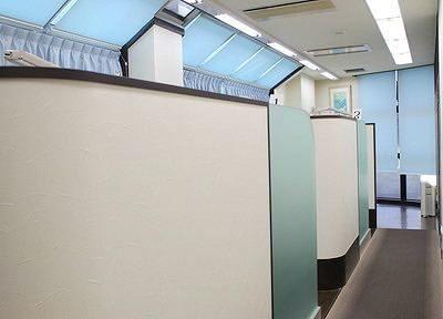 診療室はすべて半個室となっております。