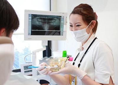 歯科衛生士によるクリーニングに加え、セルフメンテナンスの方法をお伝えします
