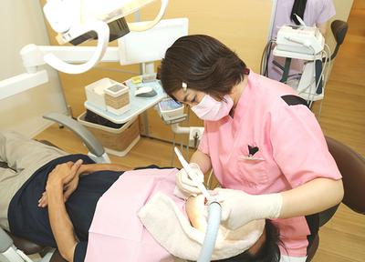 歯科衛生士が、丁寧にクリーニングを行います。