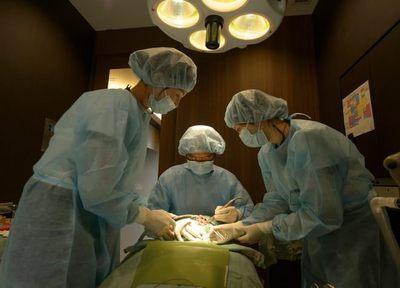 画期的なインプラント治療法、All-on-4や提携医院とのタッグで美しい歯列を。