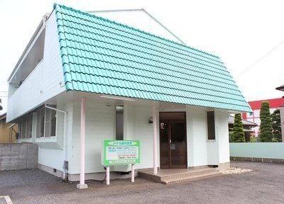 赤塚駅南口より車で6分です。駐車場もございますので、お車の方も通院しやすい環境です。